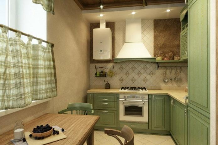 интерьер кухни в бежево-зеленых тонах