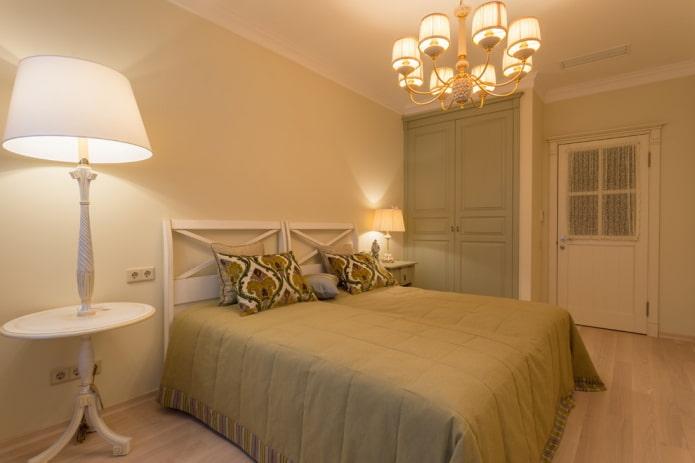 освещение в интерьере спальни в прованском стиле