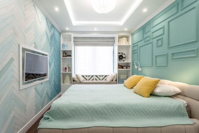 светодизайн в интерьере узкой спальной комнаты