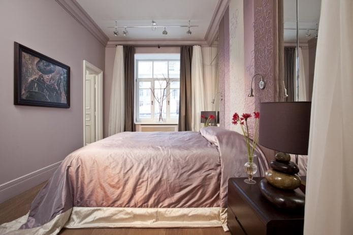 цветовое оформление узкой спальной комнаты