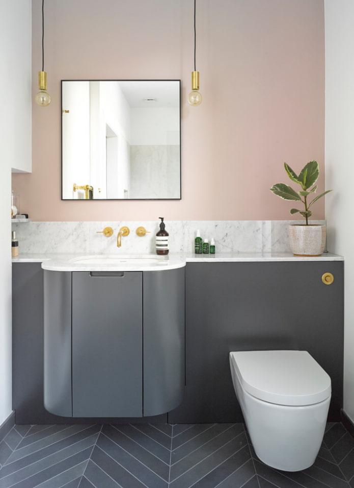 интерьер ванной в серо-розовых тонах