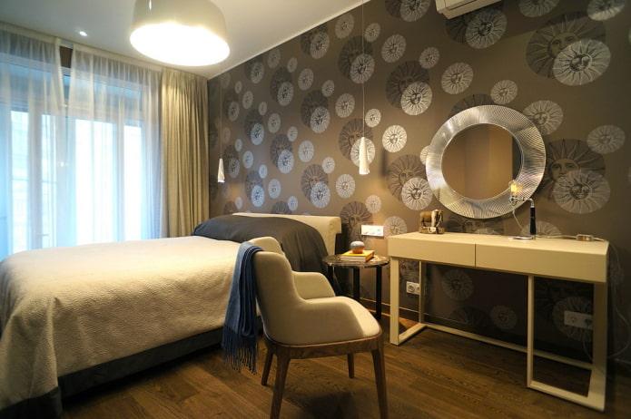мебель в интерьере коричневой спальни