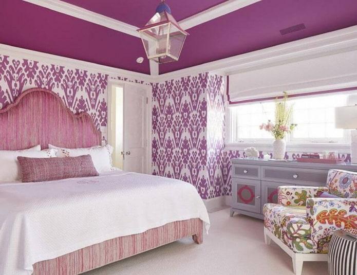 розово-сиреневый интерьер спальни