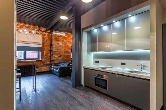 освещение в интерьере кухни-прихожей
