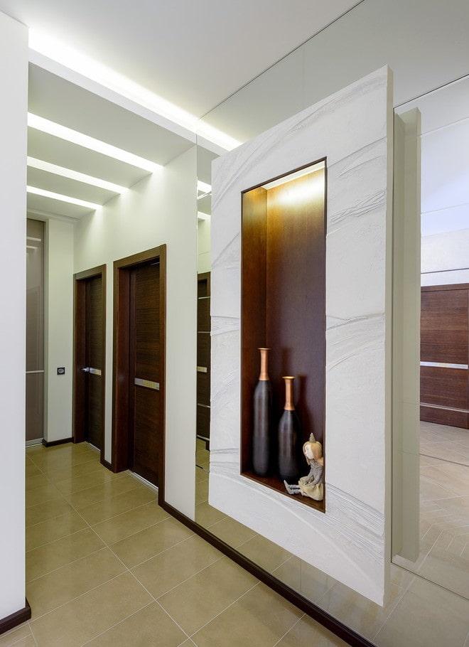 декор в интерьере коридора в стиле хай-тек