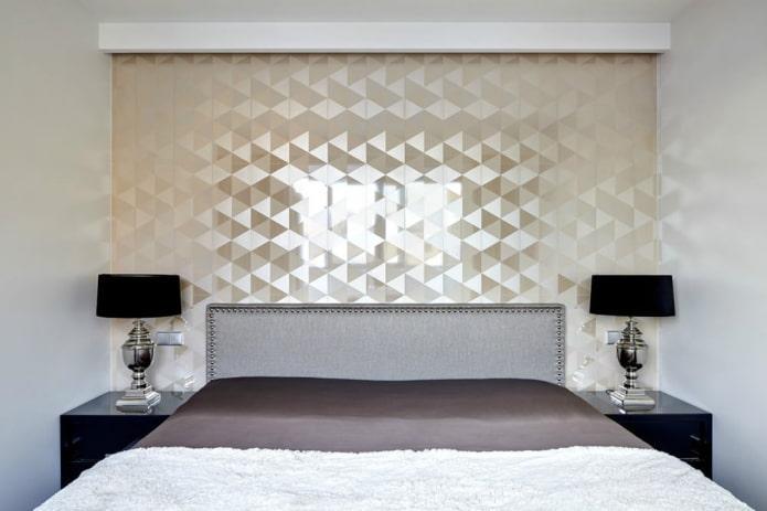 текстурные блестящие обои в маленькой спальне