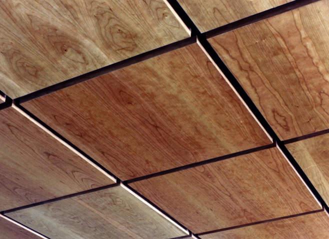 Оригинальные варианты отделки потолка