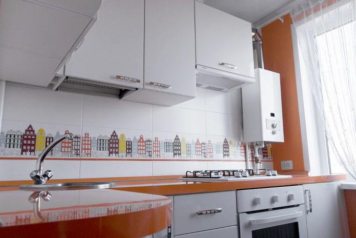 Колонка в маленькой кухне