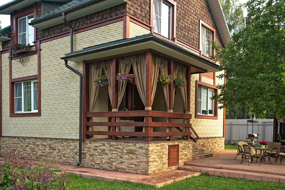 брянцев один деревянный балкон крыльцо фото высокое наслаждение сделать