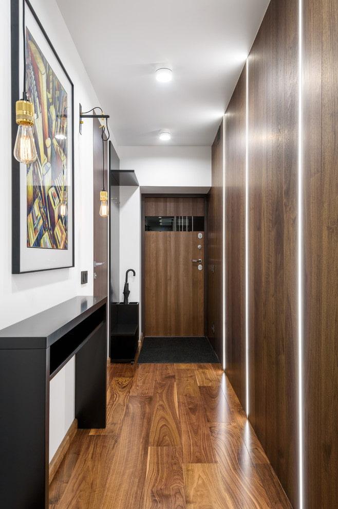 таким реальное фото узкий и длинный коридор форсунка