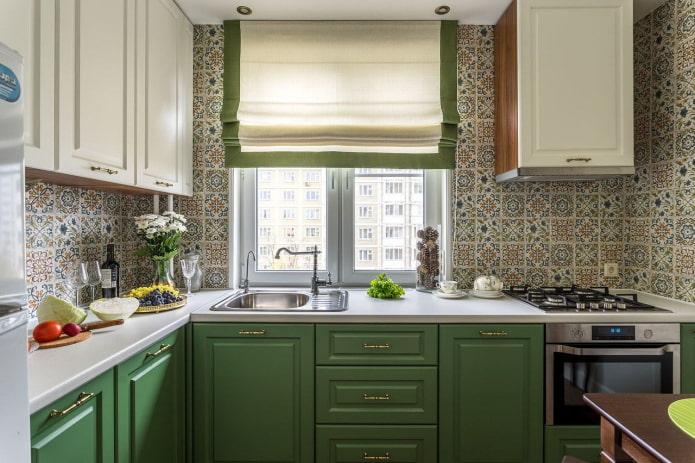 шторы на кухне площадью 6 квадратов