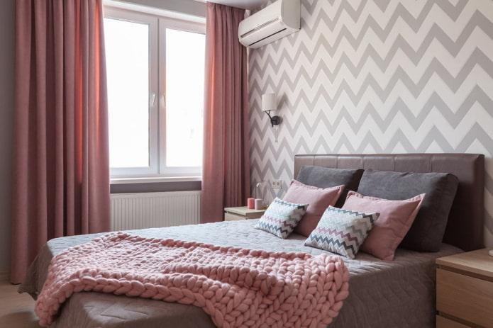 интерьер серо-розовой спальни