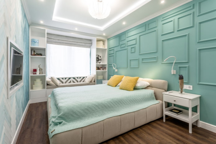 кровать с мягкой отделкой