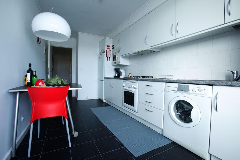 Дизайн кухни со стиральной машиной фото