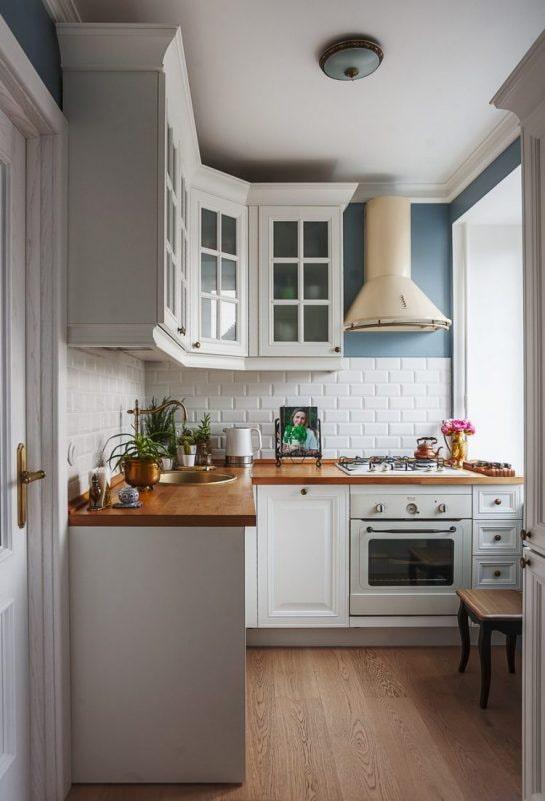 хрущевская кухня с вытяжкой