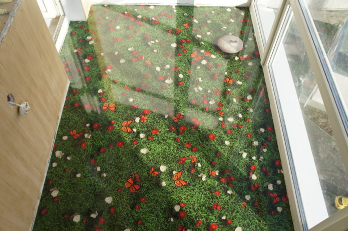 зеленый пол на балконе