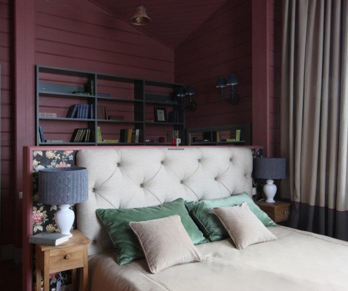 бордовая вагонка в спальне