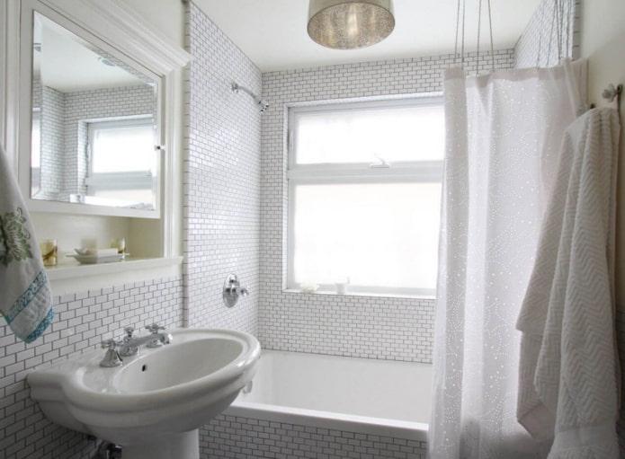 мелкая плитка в ванной