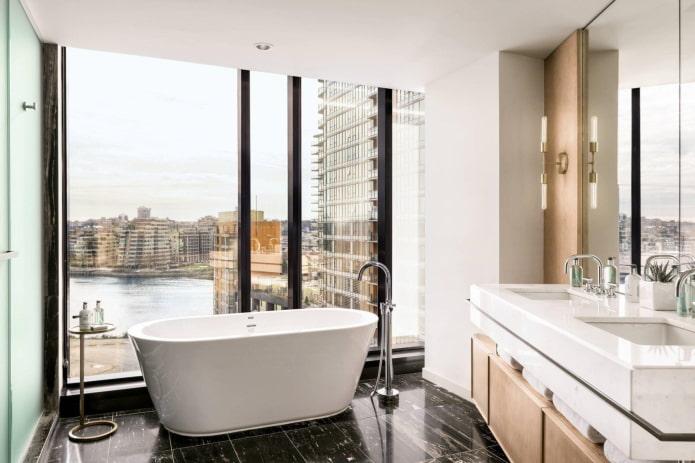 окна в пол в ванной