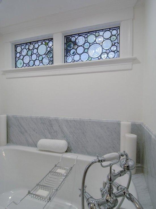 как задекорировать окно в ванной