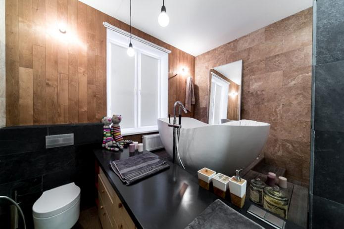 шторы на окне в ванной