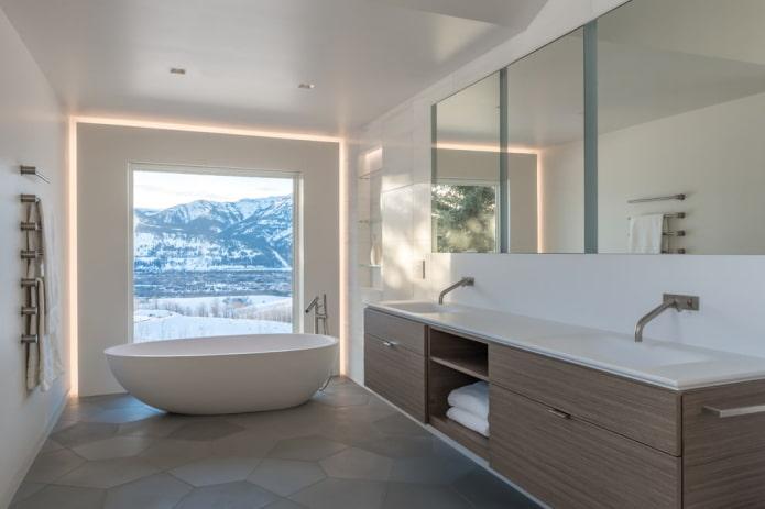 стильная ванная комната с панорамным окном