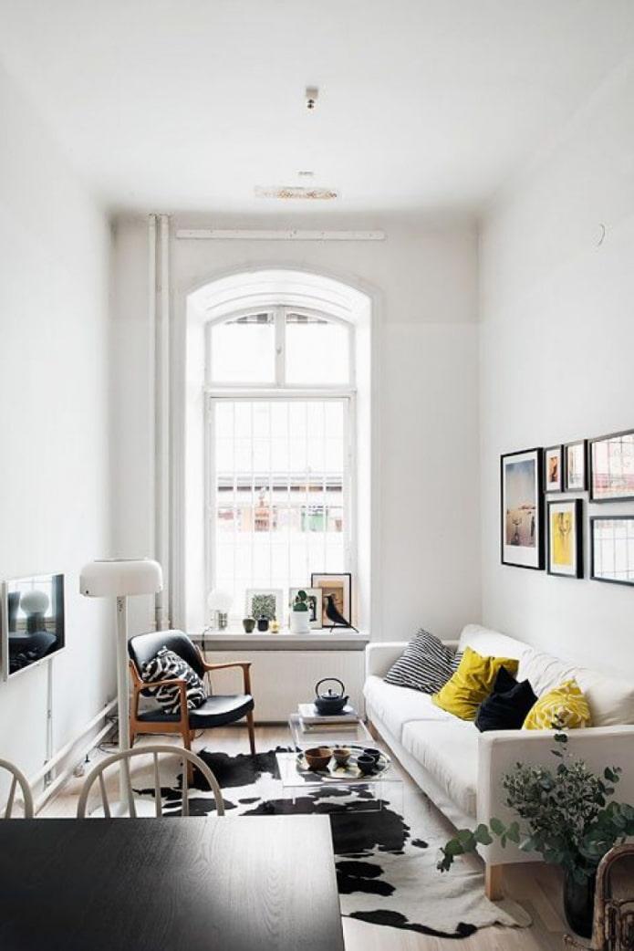 белая маленькая гостиная