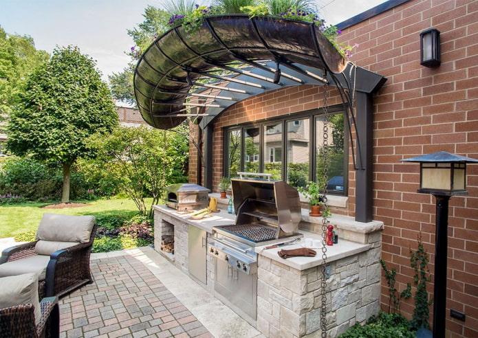 кухня снаружи дома