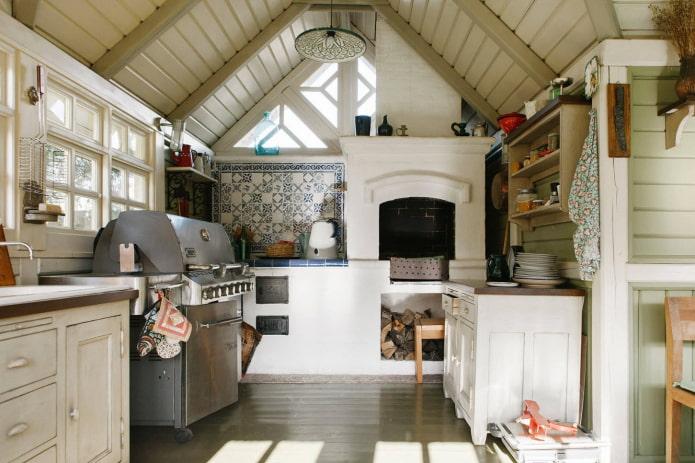 кухня на даче с печкой