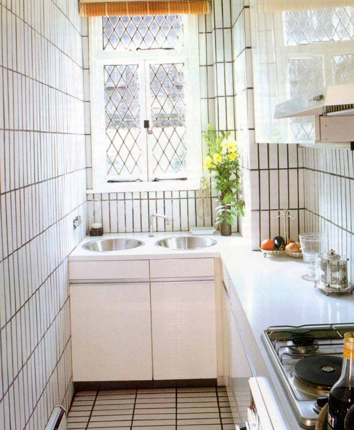 стены кухни в плитке