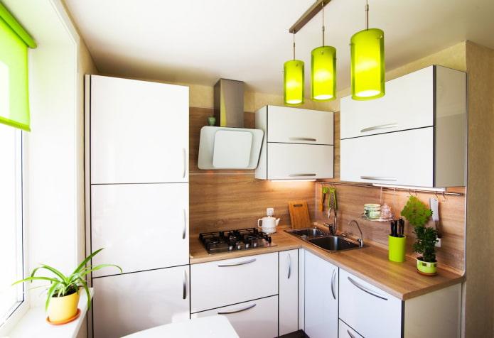 яркие светильники для кухни