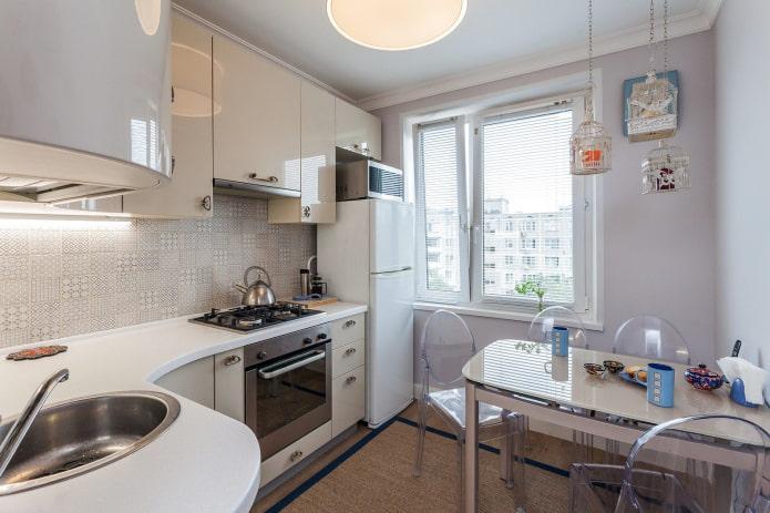 радиальные фасады на кухне