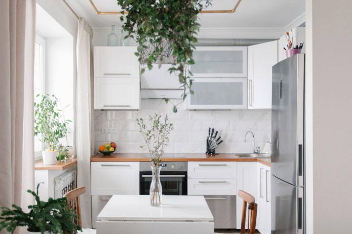 белая мини кухня