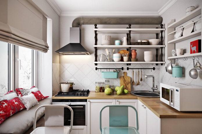 маленькая кухня с полками