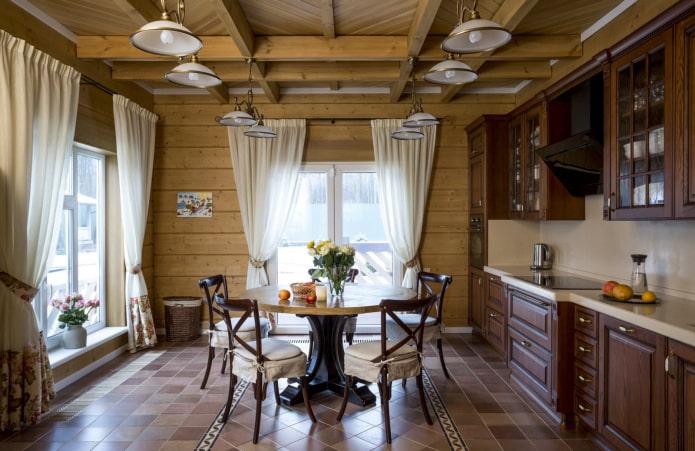 два окна в кухне