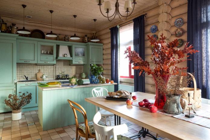 декор кухни в деревянном доме
