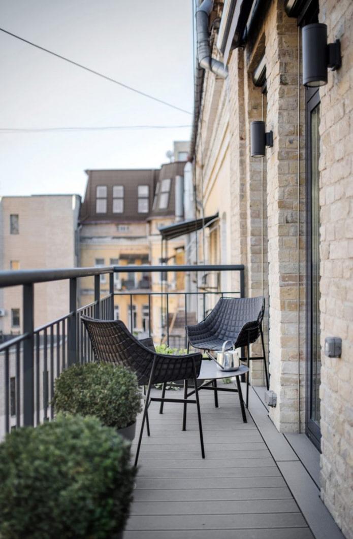 Минималистичный дизайн балкона