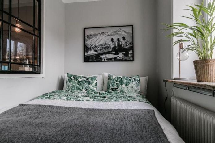 маленькая спальня в гостиной