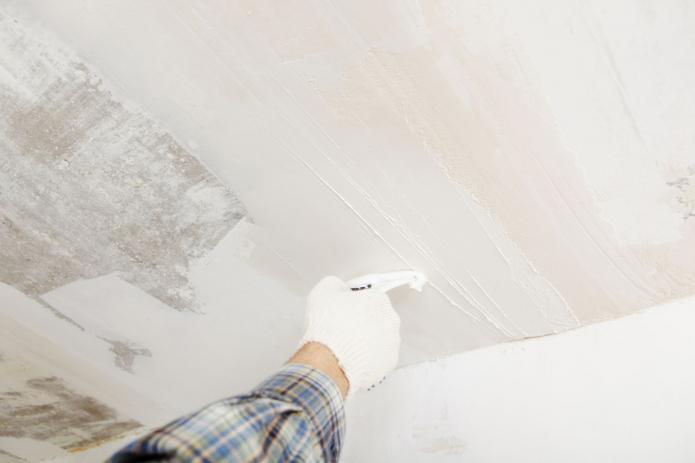 Шпатлевание потолка под покраску
