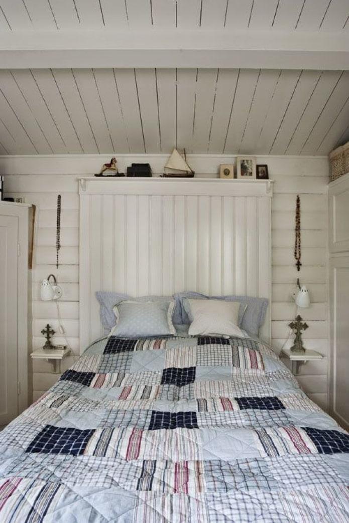 белое дерево в спальне