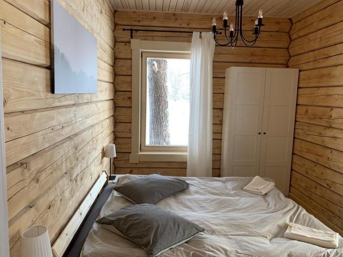 маленькая спальня со шкафом
