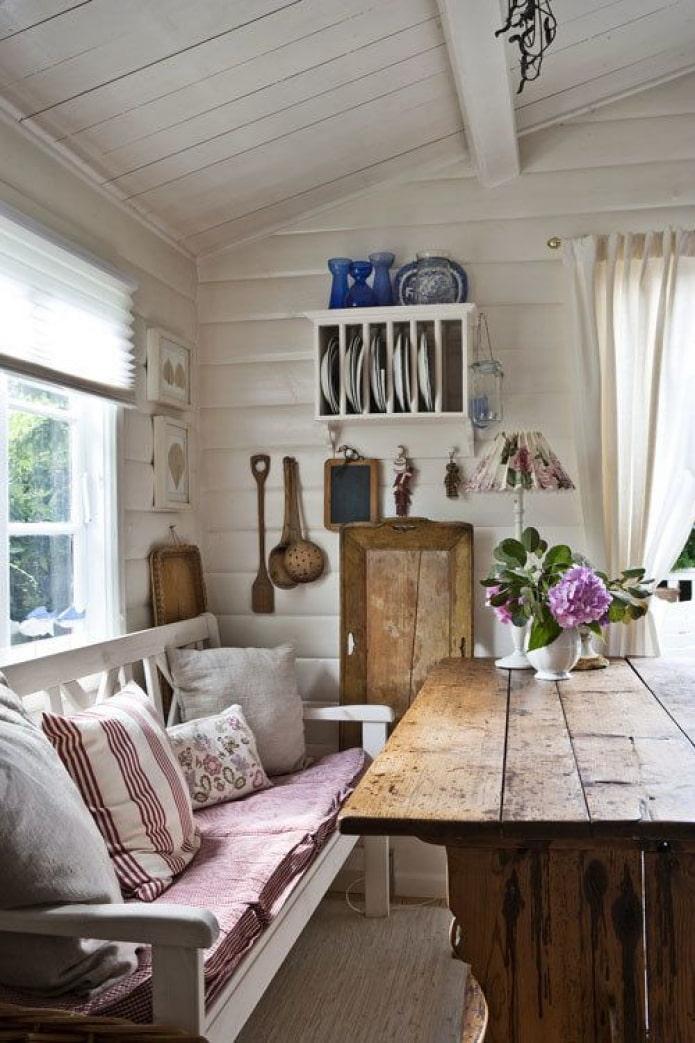 гостиная-столовая на даче