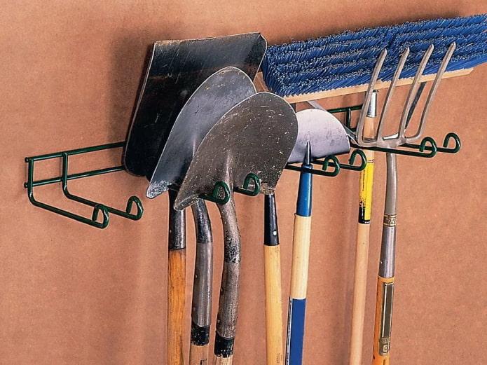 Металлические держатели для инструментов