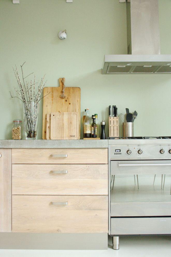 мятные стены в кухне