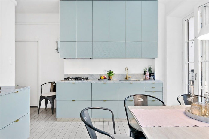 стильная цветная кухня