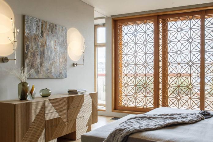 Декоративный экран на окне