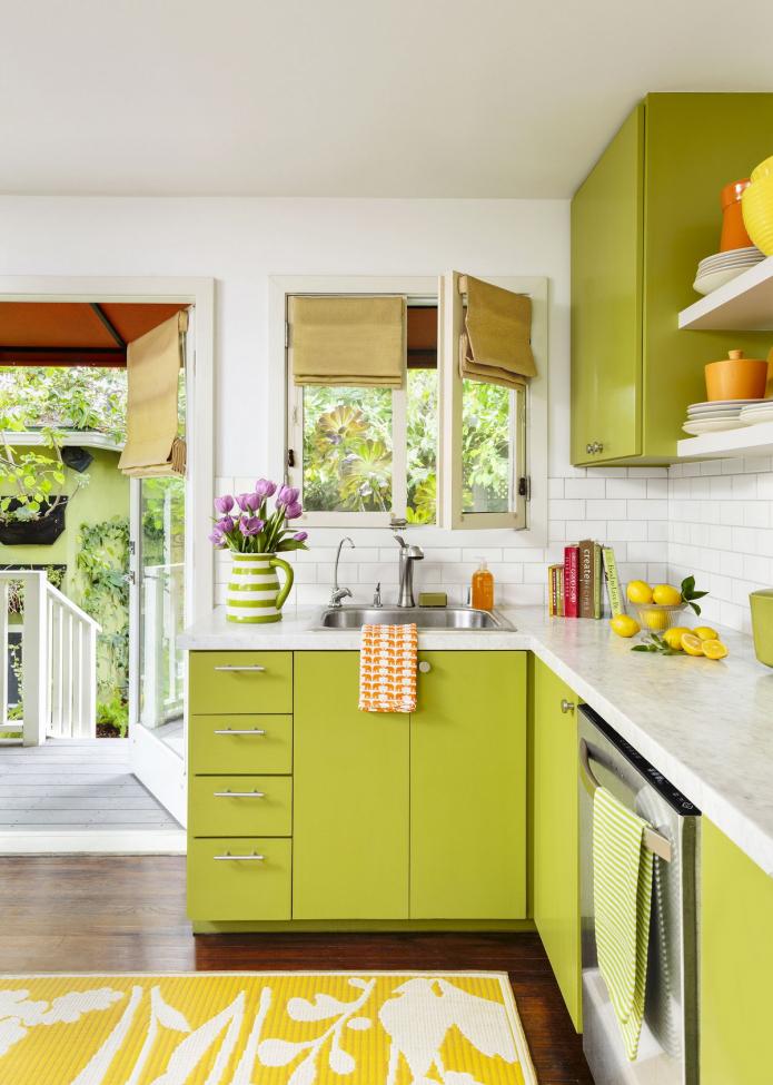 кухня в цвете оливы