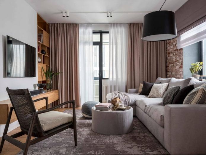 маленькая гостиная с двумя окнами