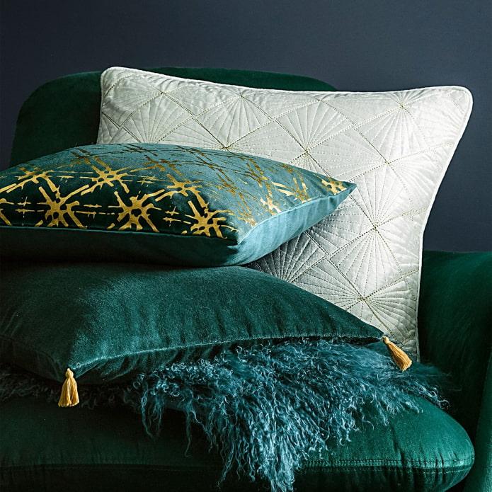 бархатная подушка