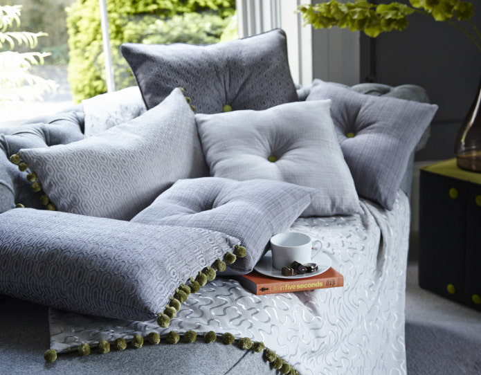 подушки с пуговицами